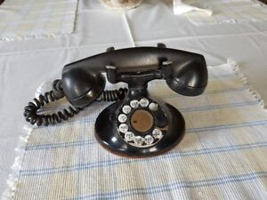 Antique Phone. $399 or best offer. Thanks; Jim 519 660 9099