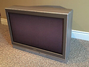 34-Inch TheaterWide® Television HD 34HF83 CRT