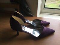 Purple jacques vert size 5 heels