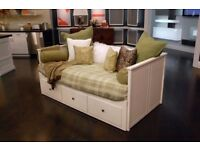 GOOD CONDITION WHITE IKEA HEMNES DAYBED/SOFA BED EXTENDABLE SINGLE/DOUBLE BED WITH 3 DRAWERS