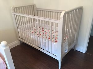 Elsie Spindle Crib Pottery Barn with a Nook Mattress
