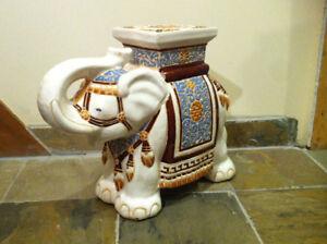 Table décorative / Tabouret Éléphant en céramique/porcelaine