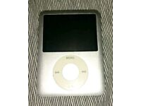 iPod Nano 3rd Generation with iPig Speaker Dock