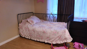 Selling ikea daybed single twin bed