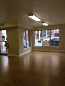Storefront for lease in Stirling