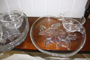 4 Vintage Luncheon Plates & Cups