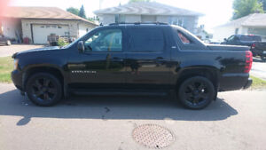 5.3L 2007 Chevrolet Avalanche LTZ Truck - Safetied