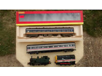 Model train engines and carriages - 00 gauge
