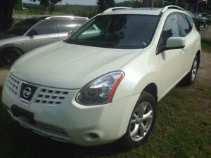 2009 Nissan Rogue S, Sunroof, Leather, AWD! Certified!