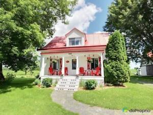 211 500$ - Maison à un étage et demi à vendre à Batiscan