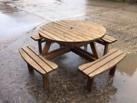 NEW 8 seater round picnic table