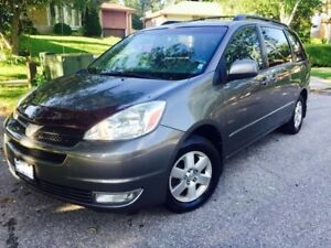 2005 Toyota Sienna Mint Cindition,Leather Seats, Minivan, Van
