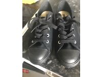 Ladies converse size 5