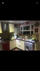 Room to rent Churwell Hill furnished only £275pm
