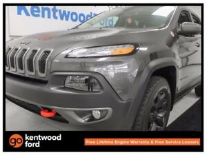 2016 Jeep Cherokee Trailhawk- trail rated- 3.2L V6 4x4- back up