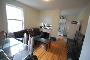 Great 3 Bedrooms Close to Dal & SMU! Avail Sept!