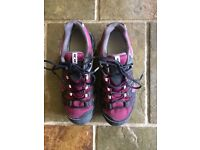 Women's Salamon Goretex walking shoes
