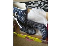 size 7 & size 8 wellies