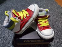 CONVERSE - Trendy Canvas - Size 6 - AS NEW
