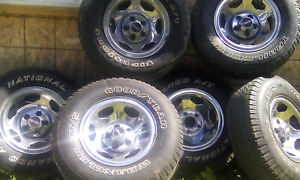Magweel and tire 235/75r 15. For500$ and 1993 GMC for 600$ obo..