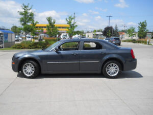 2008 Chrysler 300, Touring, Sunroof, 3/Y Warranty availabl