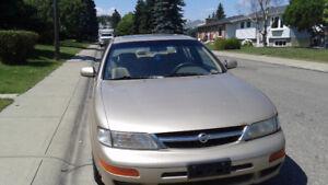 1998 Nissan Maxima GXE Sedan