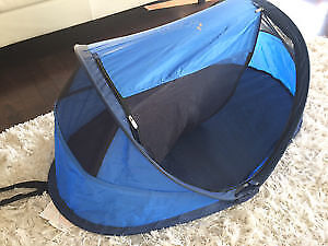 KidCo pop up travel bed or tent