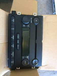 2006 Ford Mustang Stereo & Speakers