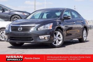 "2013 Nissan Altima SL LEATHER / SUNROOF / 17"""" MAGS / LOW KM"