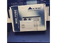 alto valve preamp boxed with power adaptor