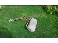 Concrete lawn roller