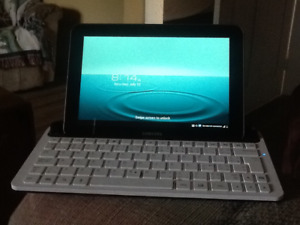Tablet with keyboard dock