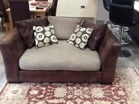 Beautiful 2/3 seater sofa in mint condition,