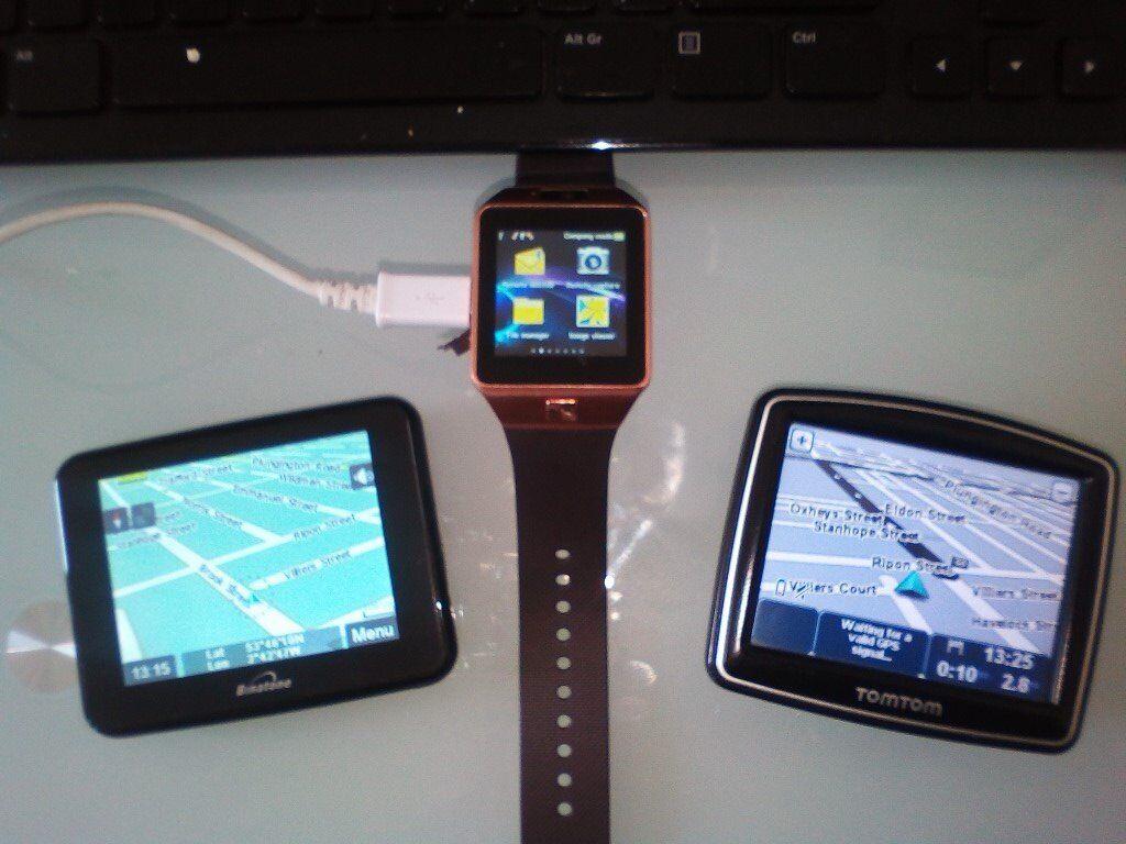Two Satnav's & 1 Smartwatch