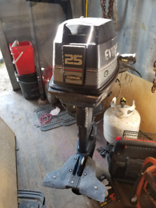 25hp Evinrude short shaft< tiller