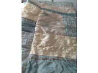 Stunning Oyster & green DB bed quilt set with matching throw and pillow shams