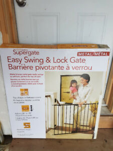 North States Supergate Easy Swing And Lock Metal Gate