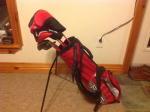 Ping Moxie Left Hand Junior Golf Club Set