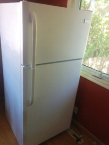 Fridge, 3 years old, near new condition