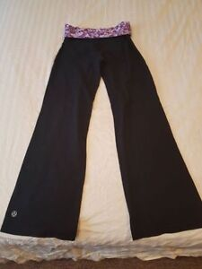 2 pairs of Lululemon pants size 6