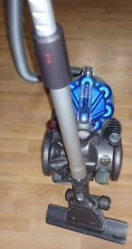 DYSON VACUUM CLEANER IN GOOD USED CONDITION