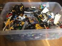 Large container of lego over 1000 pieces