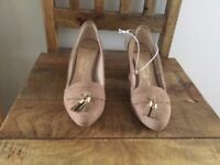 Ladies Tan Suede Shoes Size 5 - wide fit brand new
