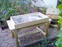 Mud kitchen / potting table