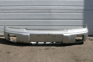 JDM SUBARU FORESTER SF5 OEM FRONT BUMPER COVER (1997-1999)