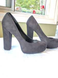 Gorgeous black heels!! These go with everything!