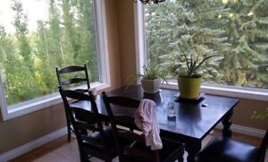 beautiful wood Kitchen table and chairs