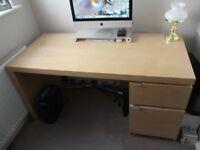 IKEA Desk (140cm x 65cm) Light Oak veneer - excellent condition.