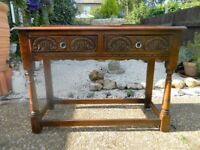 BEAUTIFUL OLD CHARM CONSOLE/HALL/LAMP TABLE