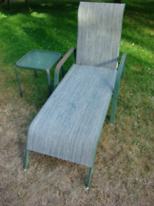 6ft. Mesh Lounger with matching Side Table